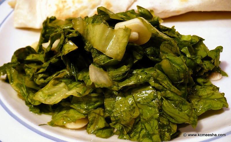 Spring Gourmet: Marinated Leaf Lettuce